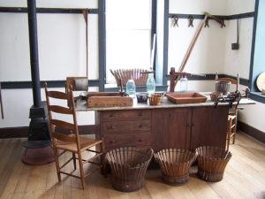 shaker-furniture